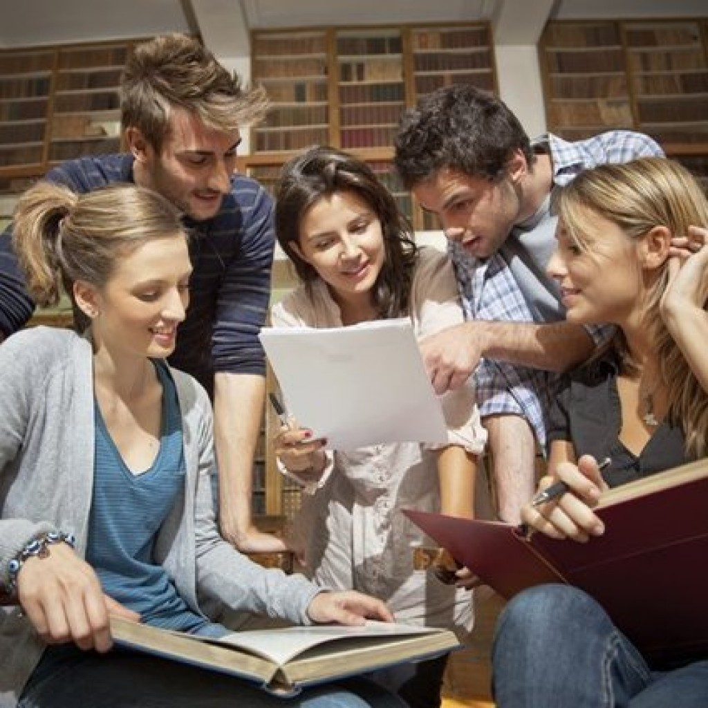 What is formal essay writing